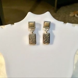 Jewelry - 💥4 for $14! Two Tone Earrings